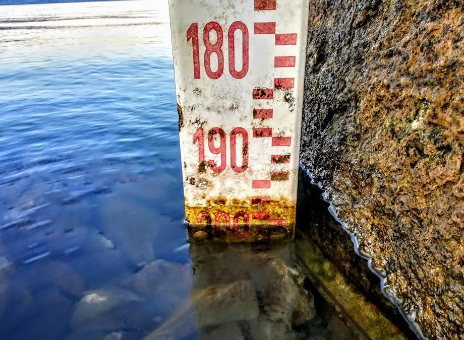 La tramontana non perdona, il lago è oltre ogni record: -196